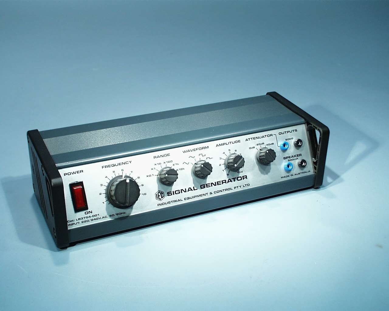 Signal Generator, 0.1Hz-100kHz, High Power