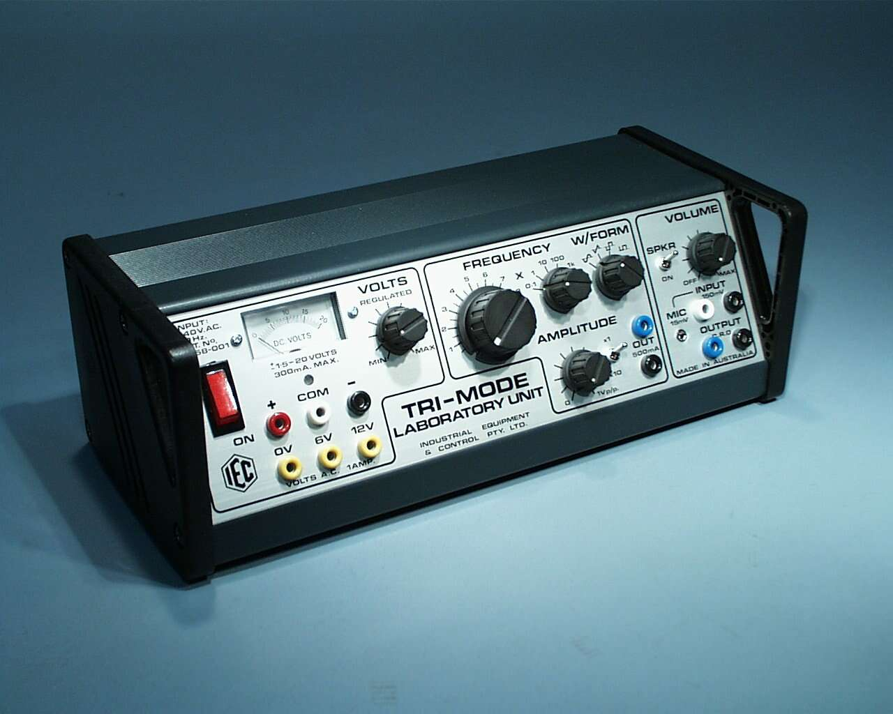 Signal Generator, Tri-Mode (power supply and audio amp)